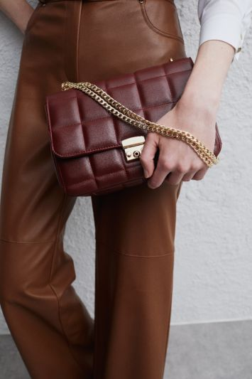 Perspective Gold Chained Bag Burgundy